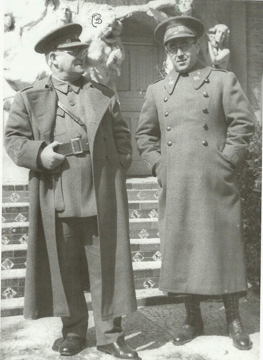 Miaja (izquierda) y Rojo (derecha).